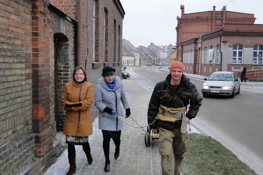 2Wieleń w towarzystwie Pani burmistrz Magdaleny Sobczak i Hanny Forbricht-2